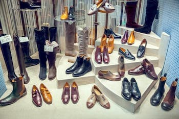 Schuhe Ladenbau